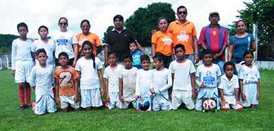 Escuela Futbol Tapachula se Corona