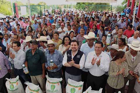 Reconocen a Fernando Castellanos por Gestiones a Favor de Trabajadores del Ayto.