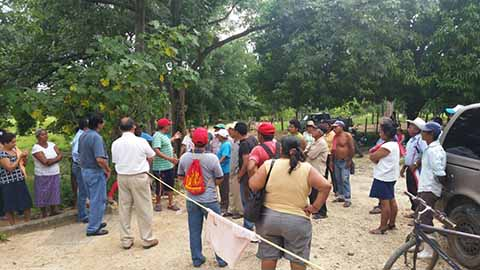 Líderes Antimineros Retienen a Empleados de Empresa en Acacoyagua