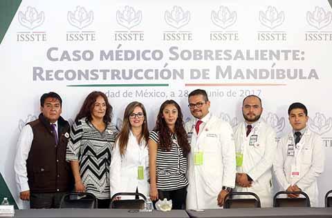 Realiza ISSSTE el Segundo Implante dePrótesis Total de Mandíbula en el Mundo