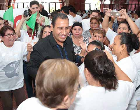 Se Reúne Eduardo Ramírez con Mujeres