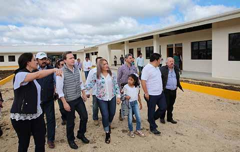 El gobernador Manuel Velasco inauguró el CAM en Comitán, el cual contará con una Clínica de Autismo para brindar atención especializada a pacientes que presenten Trastornos del Espectro Autista.