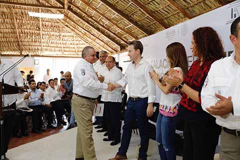 El gobernador Manuel Velasco y el Comisionado del INM, Ardelio Vargas ponen en marcha el programa