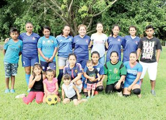 Raymundo Enríquez Ganó con Apretado Marcador a Chicas Club