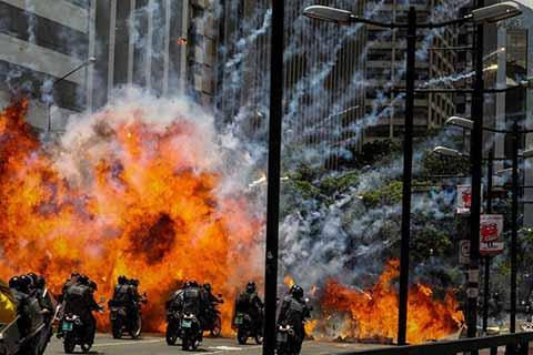 En México, la Secretaría de Relaciones Exteriores condenó la violencia, represión y las muertes que se registraron durante los comicios celebrados en Venezuela, para elegir a la Asamblea Nacional Constituyente Impulsada por Nicolás Maduro.