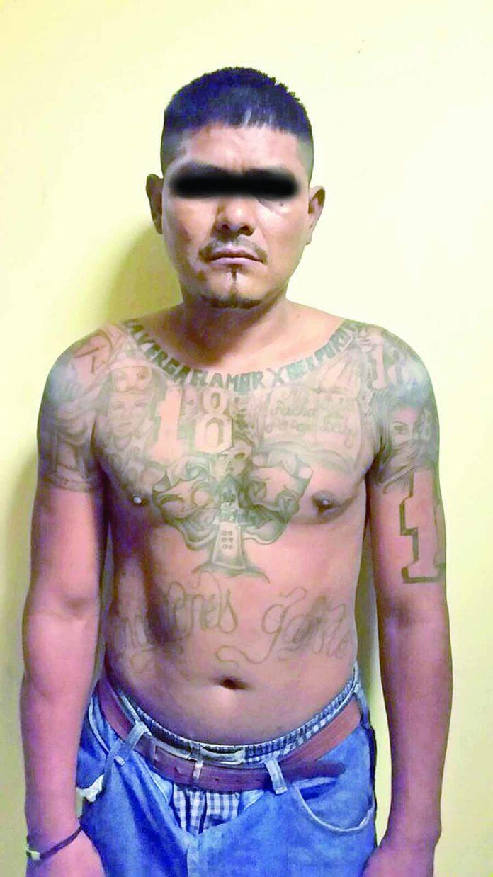 """Aseguran a """"Barrio 18"""" con Marihuana"""