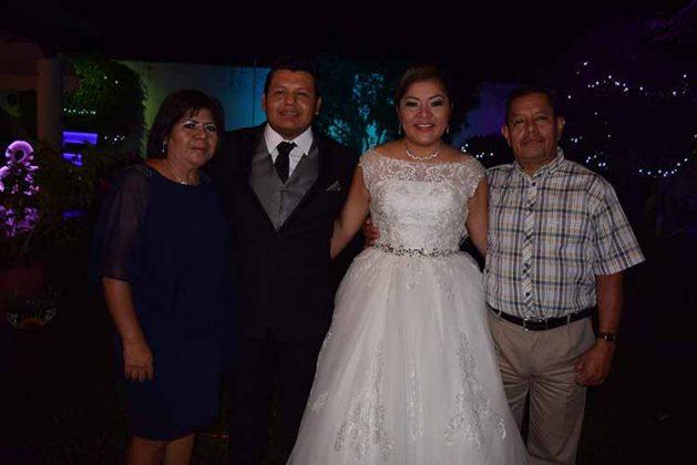 Aurora López, Fulgencio, Karen, Víctor Hernández.