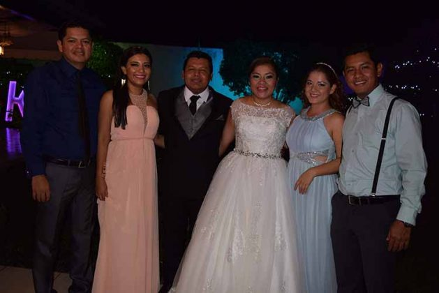 Fabian Hernández, Gina Rizo, Fulgencio, Karen, Vasty Delgado, Daniel Hernández.