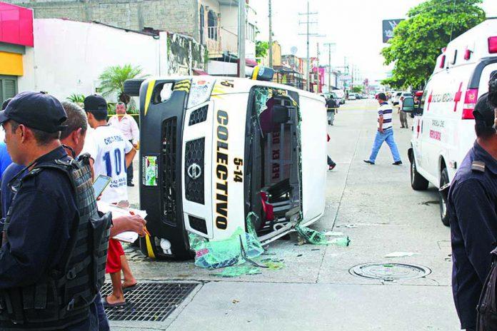 Volcadura Deja Cuatro Heridos