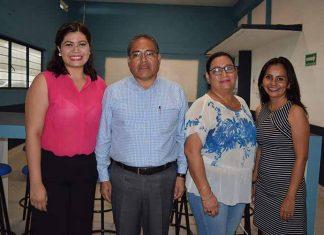 Georgina Sandoval, Gilberto Escobar, coordinador Regional de Educación; Rosa Wong, comisionada de la Coordinación de Educación; Sandra García, directora del CTU.