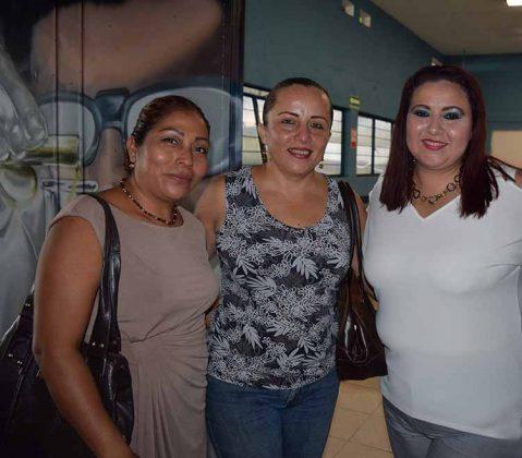 Carmen Prieto, Yesenia Pérez, Iris Parada.