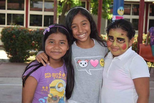 Megan García, Allyson Rojas, Joselyn López.