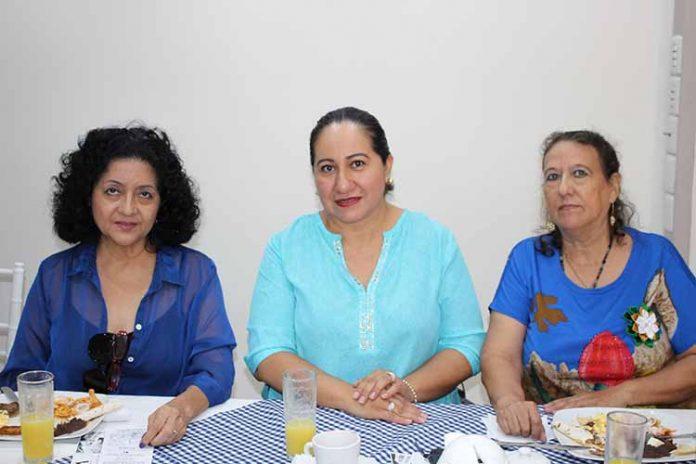 Zandra Armento, Sandra Hernández, Angélica Bond.