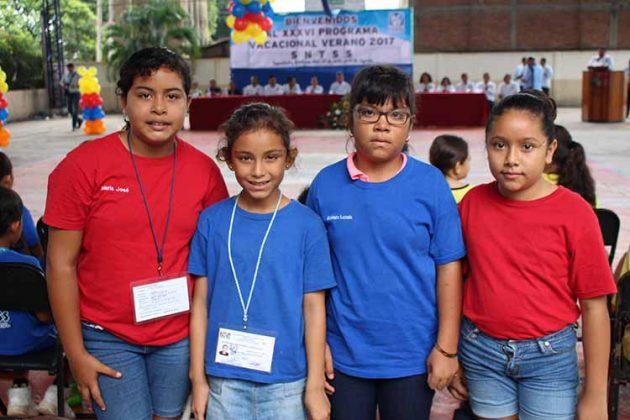 María José Cruz, Laura Muñoz, Emma Lozada, Karla Vázquez.