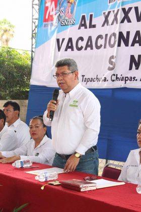 Dr. Carlos Canel Barredo, Secretario de Secretario del Interior y Propaganda y Encargado de la Secretaria General de la Sección XIV del SNTSS, clausuró las actividades del curso de verano.