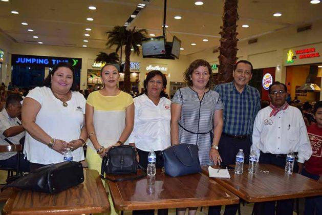 Denise López, directora del IMCA; Laura Barrios, representando al CECATI 86; Norma Arellano, directora CONECULTA; Mario Ruiz Redondo, Estebán Verdugo.
