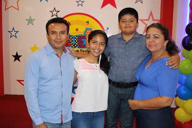 Jorge, Ingrid, Jorge Galdámez, Araceli Chacón.