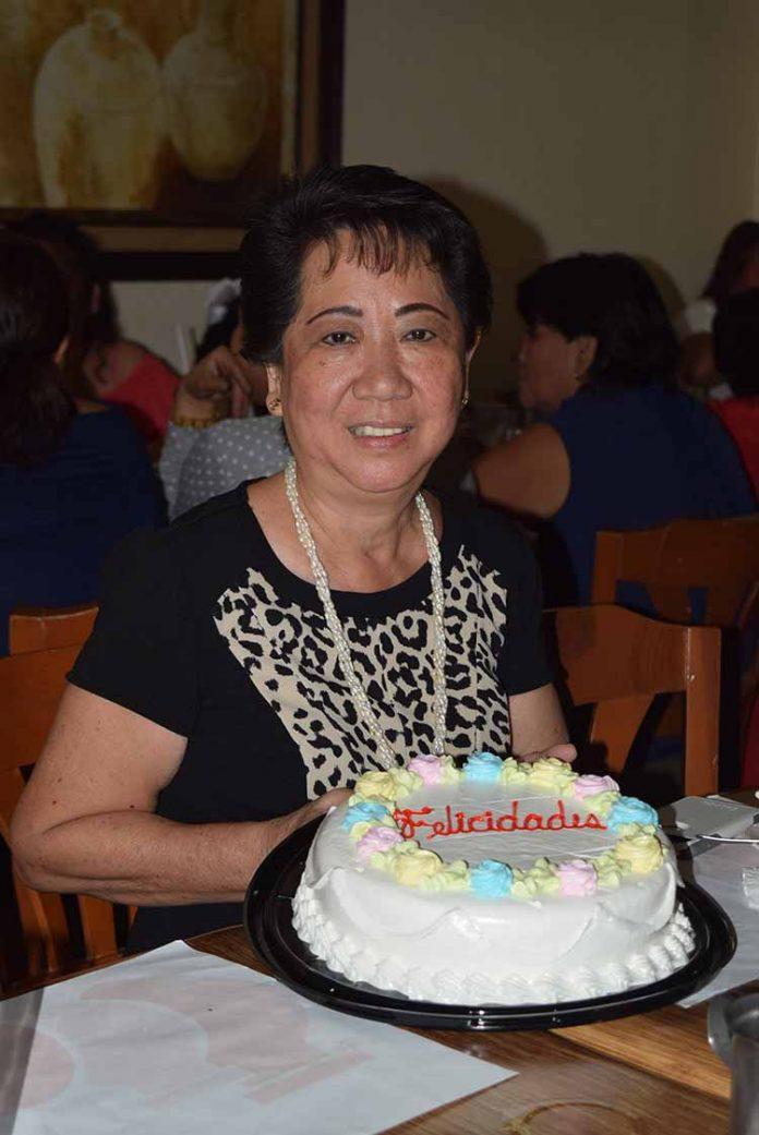 María del Carmen Chong de Martínez.