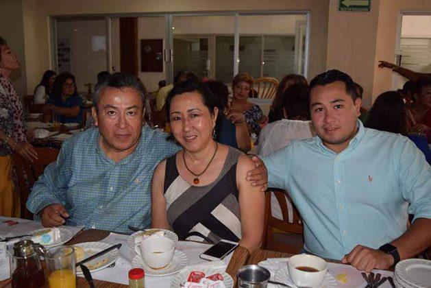 Pablo Juan, Rosario Chang, Roberto Juan.