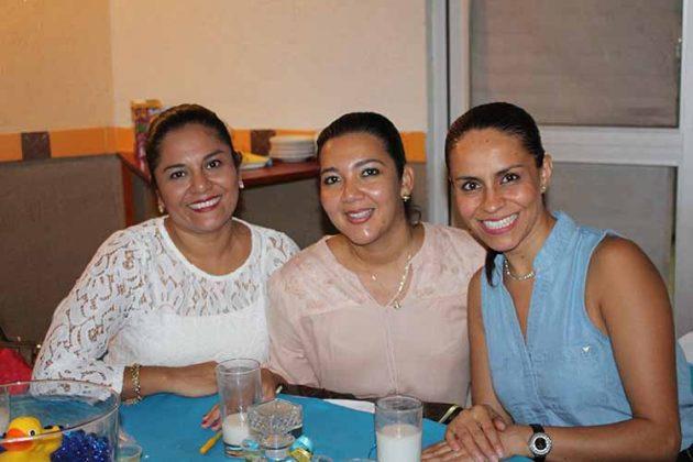 Yuri Moreno, Evelyn Torres, Nery Vargas.