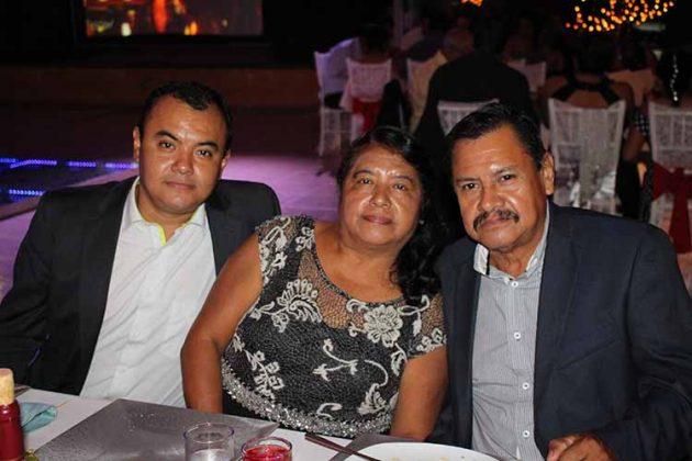 Fernando Samayoa, Silvia Gálvez, Valentín Samayoa.