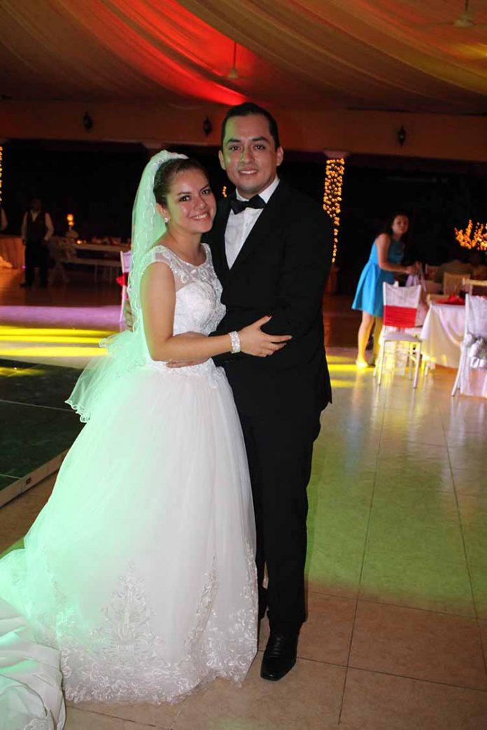Alejandra González, Emmanuel Robles.