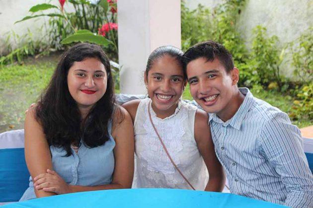 Ingrid, Jimena, Juan Ocaña.
