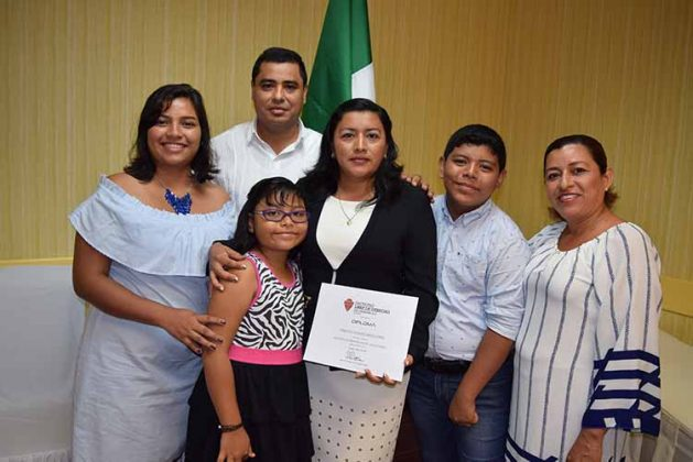 Alondra Cortes, Jesús del Porte, Diana del POrte, Teresita Ortiz, Jesús del Porte, María Gutiérrez.