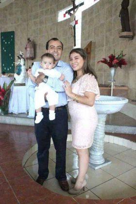 La familia Mandujano Ocaña bautizo a su pequeño Jorge Mandujano.