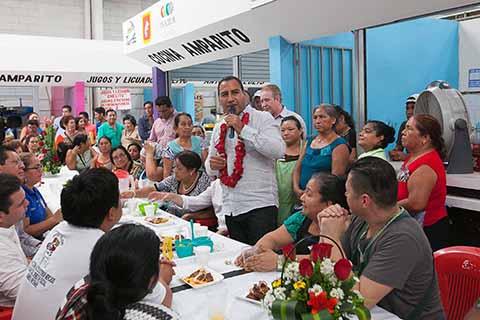 Inicia Eduardo Ramírez 2º Informe Legislativo en colonias de Tuxtla