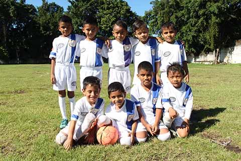 Central Deportiva Supera a Pumas