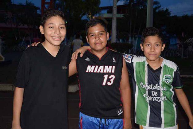 Luis Sánchez, Kevin Sánchez, Josean López.