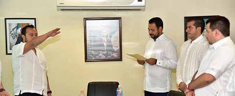 Gibran Alejandro de la Torre González Nuevo Delegado del IMSS en Chiapas