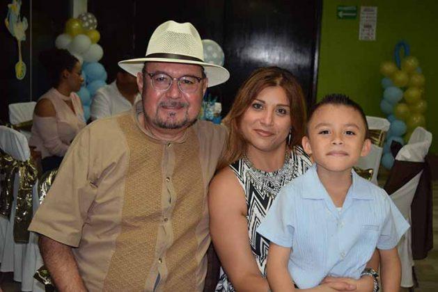 Carlos Rodríguez, Paola de Rodríguez, Pablo Rodríguez.