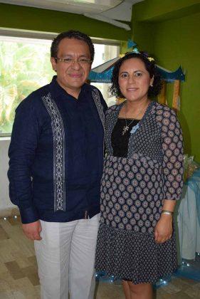José Manuel Otero García& Clara Aurora Zamorano Jiménez, en la dulce espera.