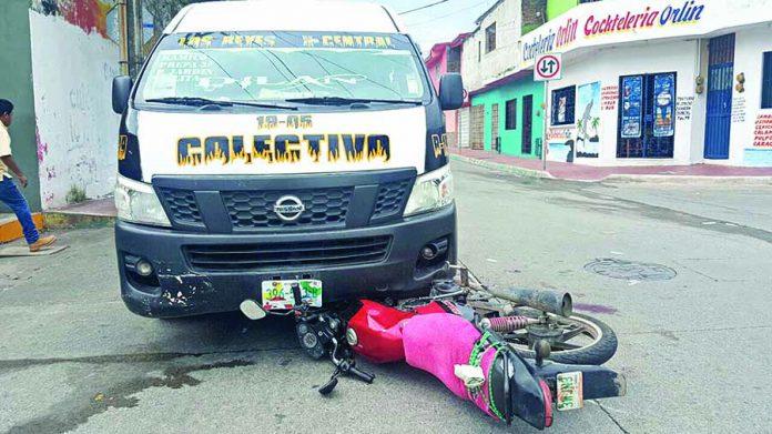 Motociclistas Acabaron Abajo de la Combi