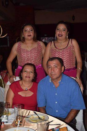 Lourdes Rodriguez, Antonio Cigarroa, Gabi, Janet Cigarroa.
