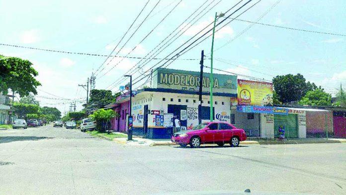 Delincuentes Asaltan Depósito de Cervezas y Camión Repartidor