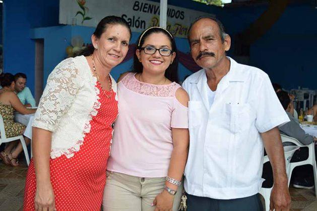 Rosario Vázquez, Rosario López, Miguel López.