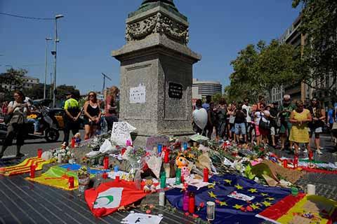 Suman 14 Muertos y 130 Heridos por Atentados en Barcelona