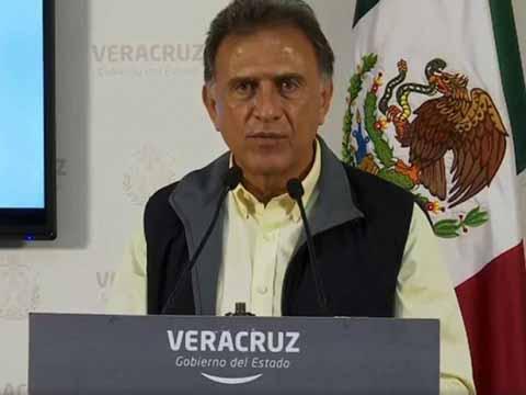 """""""Karime Macías, esposa del ex gobernador de Veracruz, es eslabón importante en la red de Duarte"""", sostiene Yunes Linares durante su comparecencia ante la PGR."""