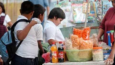 Sin Control la Venta de Comida Chatarra en Escuelas del Soconusco