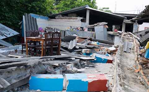 La cifra de damnificados y afectados por el sismo de 8.2. grados en Chiapas, ascendió a un millón 479 mil 575; la cifra de muertos subió en 16 por la tarde.