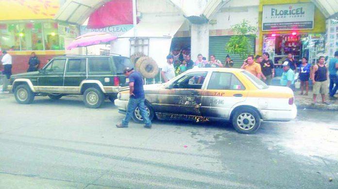 Fuego por Poco Consume Taxi