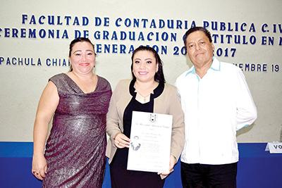 Martha Mejía, Rosa Albina Hernández, Sergio Amores.