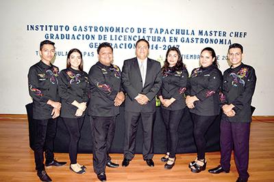 Generación 2014-2017 de Licenciados en Gastronomía.