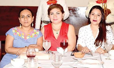 Lisette Velázquez, Nancy Canel, Edith Moreno.