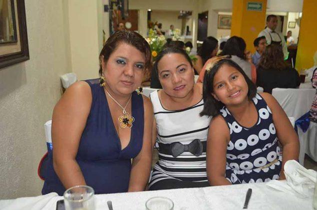 Gladys Solís, Lilia Sandoval, Frida Monserrat Pérez.