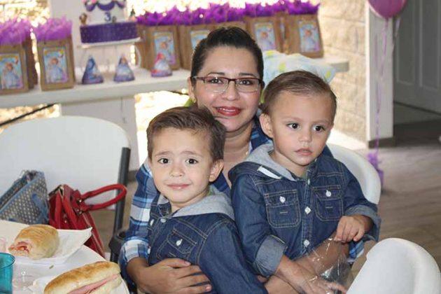 André Toledo, Claudia Salgado, Leonardo Toledo.