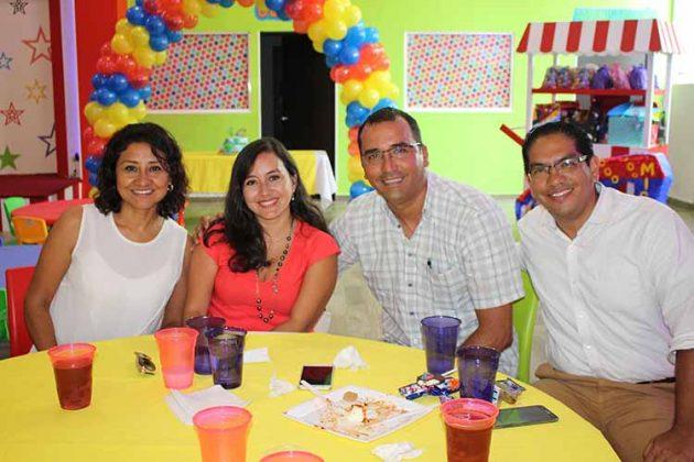 Johana Álvarez, Rocío Alcaraz, Rodolfo Reyes, José Méndez.